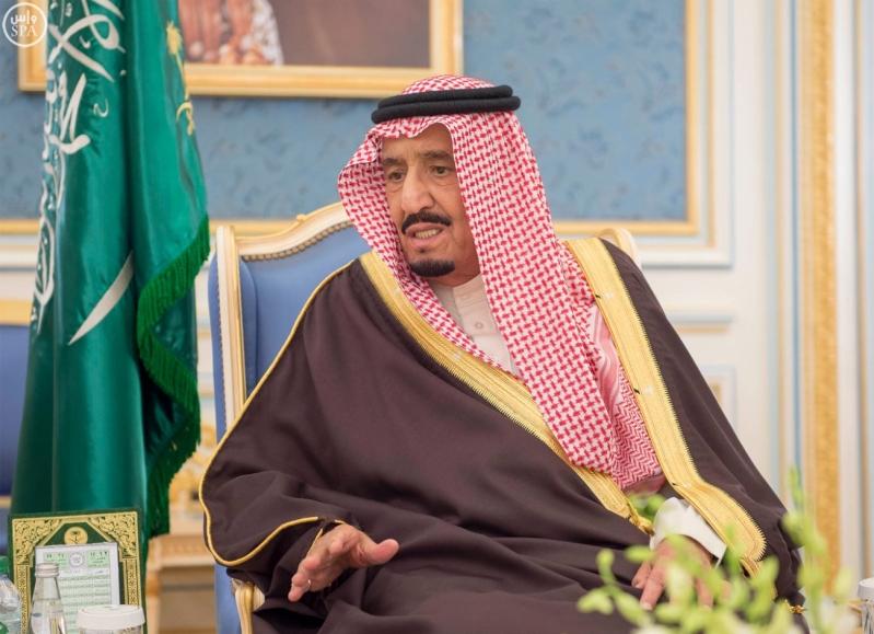 خادم الحرمين الشريفين يستقبل أصحاب السمو الأمراء وسماحة مفتي عام المملكة وجموعاً من المواطنين10