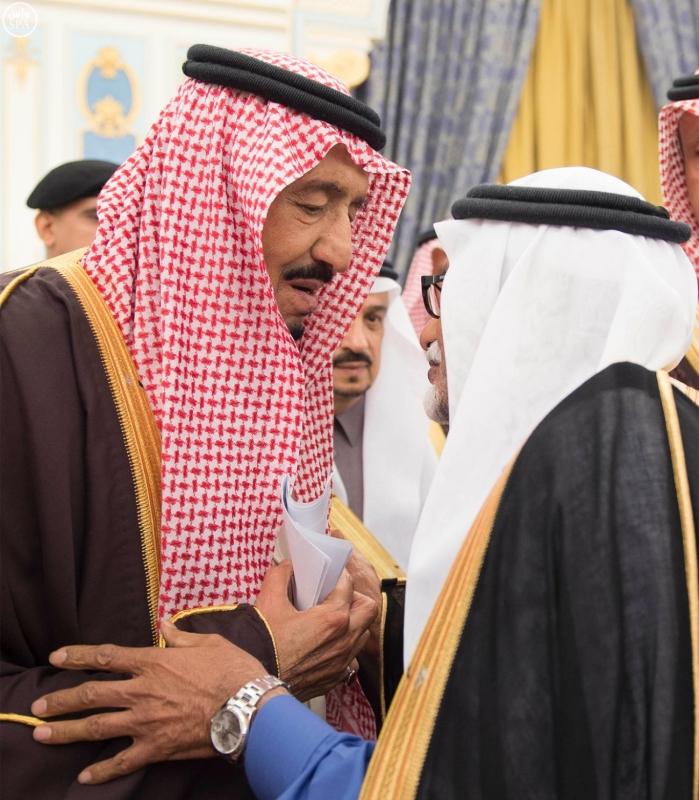 خادم الحرمين الشريفين يستقبل أصحاب السمو الأمراء وسماحة مفتي عام المملكة وجموعاً من المواطنين6