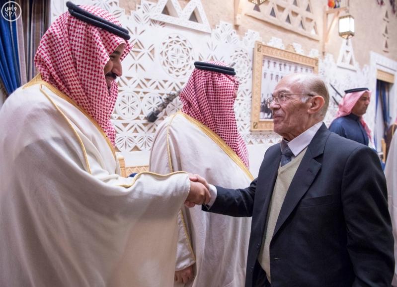 خادم الحرمين الشريفين يستقبل أعضاء المعارضة السورية الذين اختتموا اجتماعاتهم في الرياض6