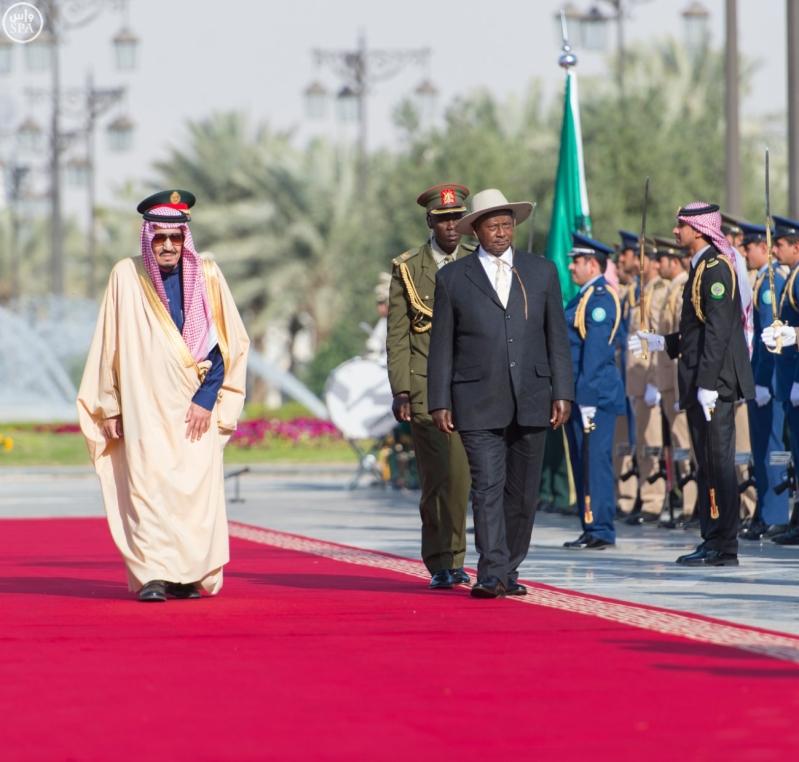 خادم الحرمين الشريفين يستقبل الرئيس الأوغندي3