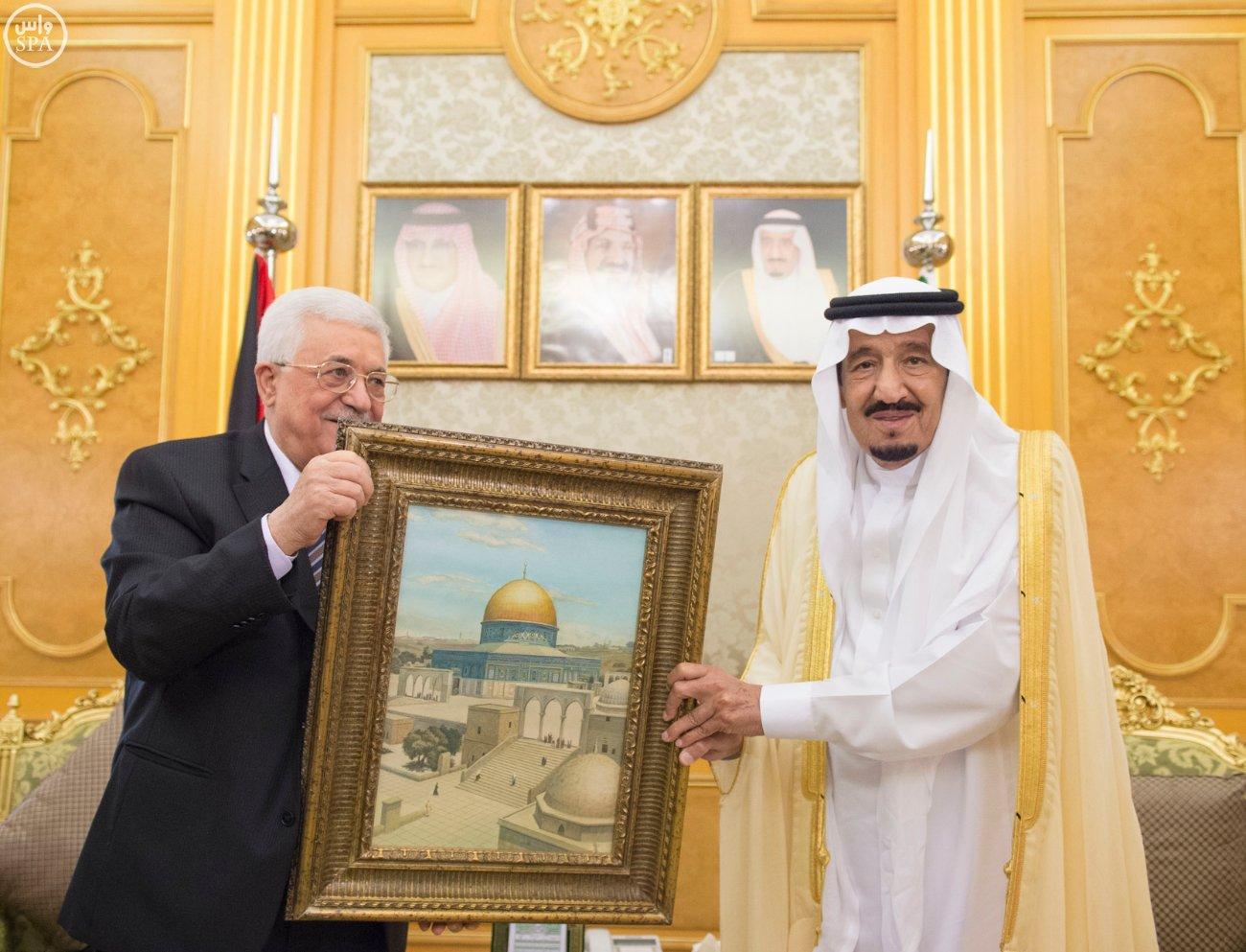 خادم الحرمين الشريفين يستقبل الرئيس الفلسطيني (4)