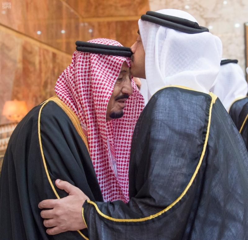 خادم الحرمين الشريفين يستقبل المعزين في وفاة صاحب السمو الملكي الأمير تركي 11