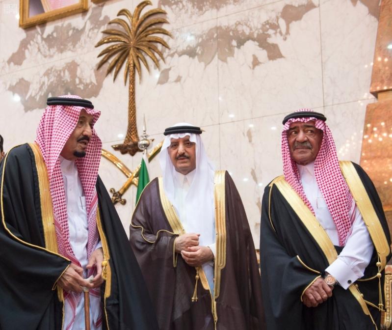 خادم الحرمين الشريفين يستقبل المعزين في وفاة صاحب السمو الملكي الأمير تركي 12