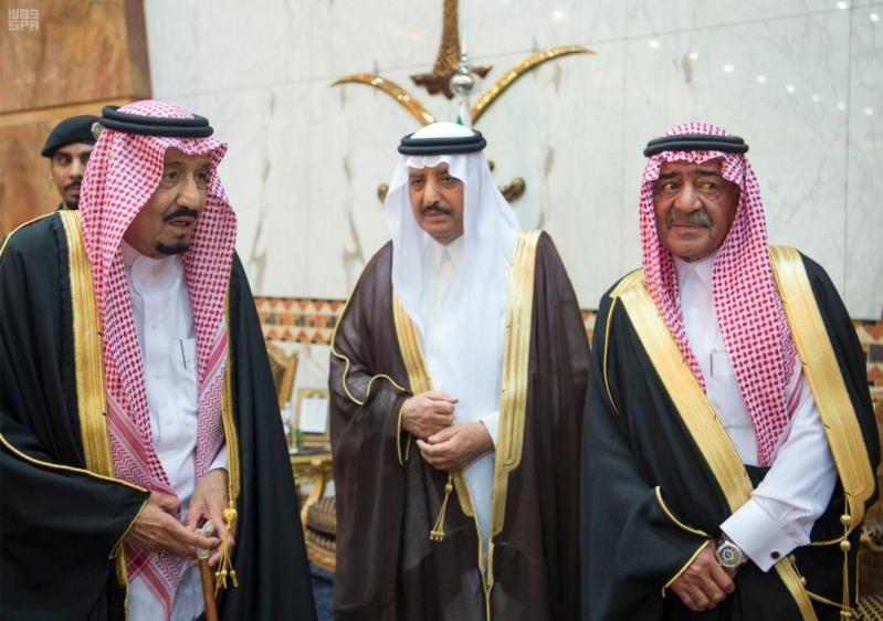 خادم الحرمين الشريفين يستقبل المعزين في وفاة صاحب السمو الملكي الأمير تركي 13