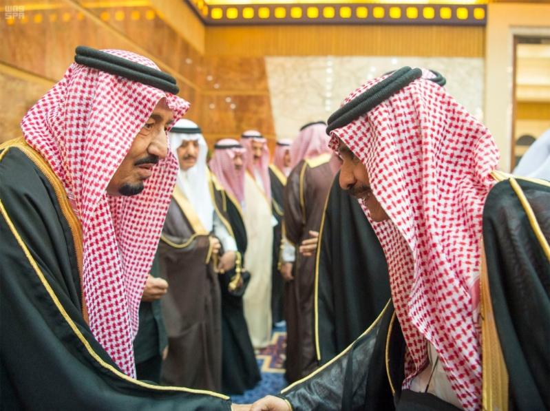 خادم الحرمين الشريفين يستقبل المعزين في وفاة صاحب السمو الملكي الأمير تركي 14