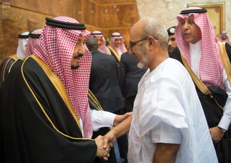 خادم الحرمين الشريفين يستقبل المعزين في وفاة صاحب السمو الملكي الأمير تركي 16