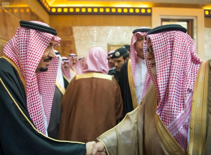خادم الحرمين الشريفين يستقبل المعزين في وفاة صاحب السمو الملكي الأمير تركي 18