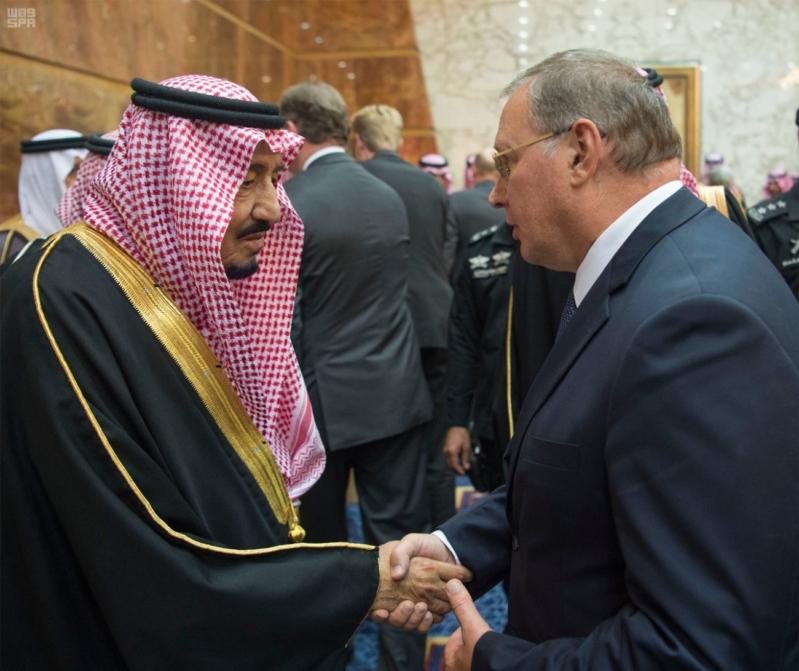 خادم الحرمين الشريفين يستقبل المعزين في وفاة صاحب السمو الملكي الأمير تركي 20
