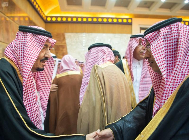 خادم الحرمين الشريفين يستقبل المعزين في وفاة صاحب السمو الملكي الأمير تركي 21