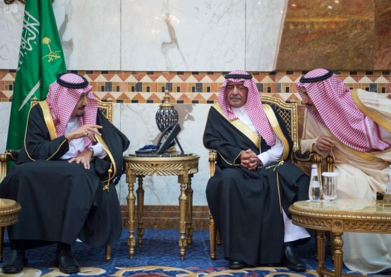 خادم الحرمين الشريفين يستقبل المعزين في وفاة صاحب السمو الملكي الأمير تركي 28