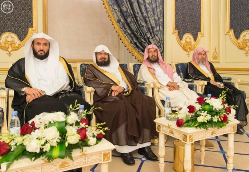 خادم الحرمين الشريفين يستقبل المهنئين بشهر رمضان المبارك (1) 