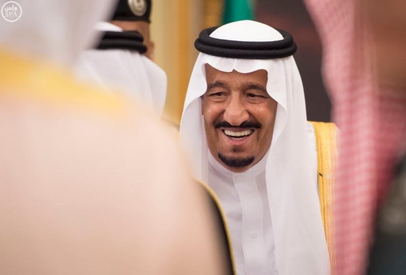 خادم الحرمين الشريفين يستقبل المهنئين بشهر رمضان المبارك (31195650) 