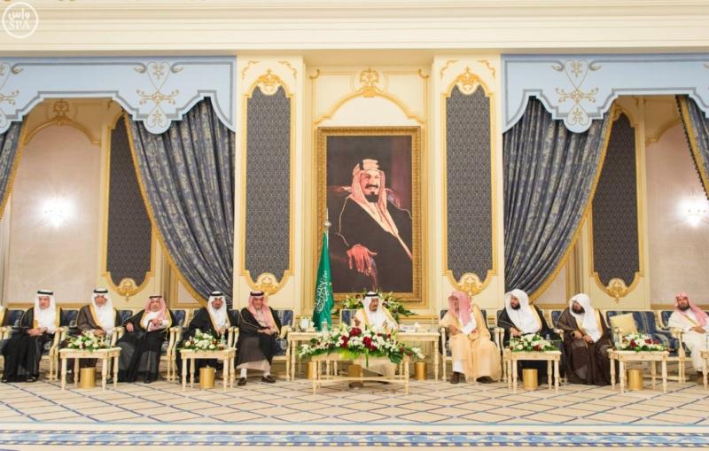 خادم الحرمين الشريفين يستقبل المهنئين بشهر رمضان المبارك (31195652) 