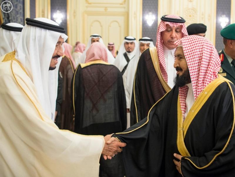 خادم الحرمين الشريفين يستقبل المهنئين بشهر رمضان المبارك (31195657) 