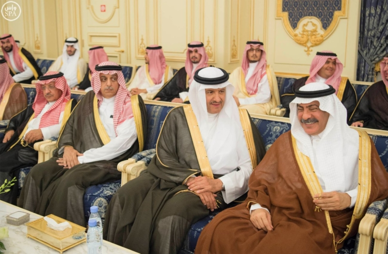 خادم الحرمين الشريفين يستقبل المهنئين بشهر رمضان المبارك (31195665) 