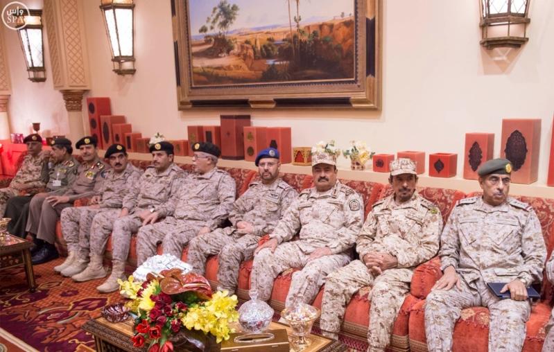 خادم الحرمين الشريفين يستقبل رئيس الوزراء الباكستاني12