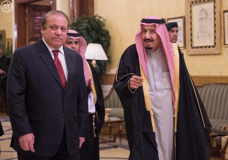 خادم الحرمين الشريفين يستقبل رئيس الوزراء الباكستاني2