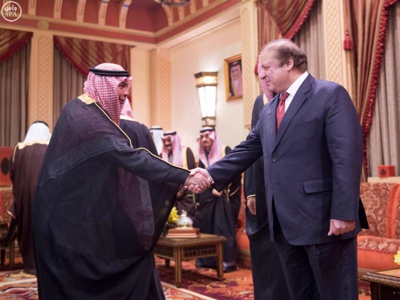 خادم الحرمين الشريفين يستقبل رئيس الوزراء الباكستاني6