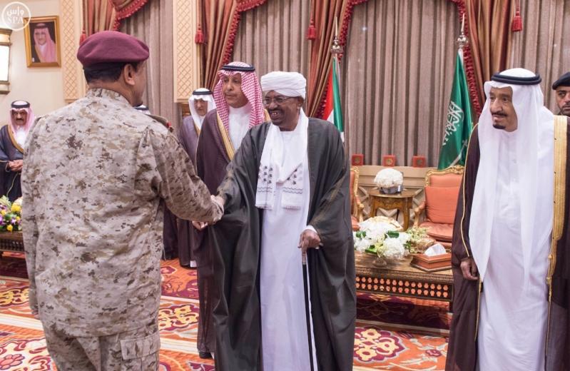خادم الحرمين الشريفين يستقبل رئيس جمهورية السودان1
