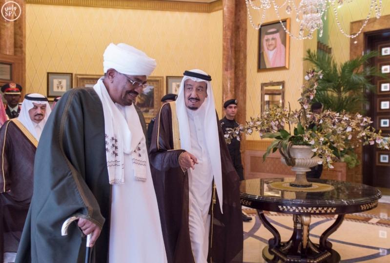 خادم الحرمين الشريفين يستقبل رئيس جمهورية السودان2