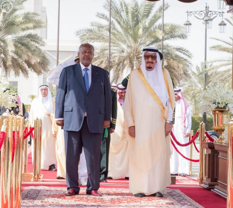 خادم الحرمين الشريفين يستقبل رئيس جمهورية جيبوتي 2