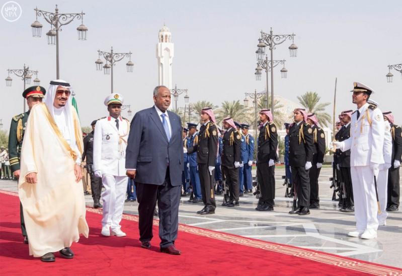 خادم الحرمين الشريفين يستقبل رئيس جمهورية جيبوتي 3