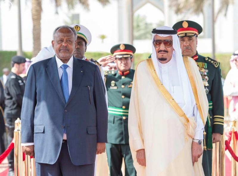 خادم الحرمين الشريفين يستقبل رئيس جمهورية جيبوتي
