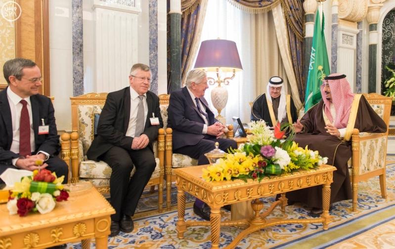 خادم الحرمين الشريفين يستقبل رئيس وفد الجمعية البرلمانية في منظمة حلف شمال الأطلسي1