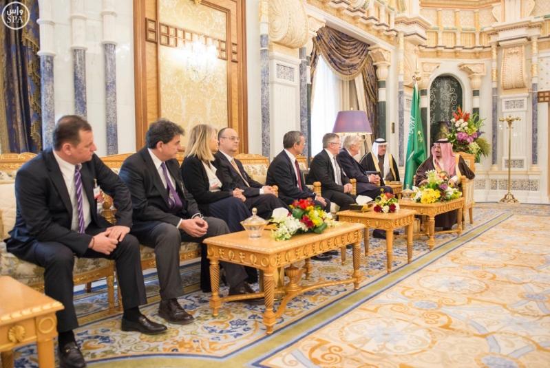 خادم الحرمين الشريفين يستقبل رئيس وفد الجمعية البرلمانية في منظمة حلف شمال الأطلسي4