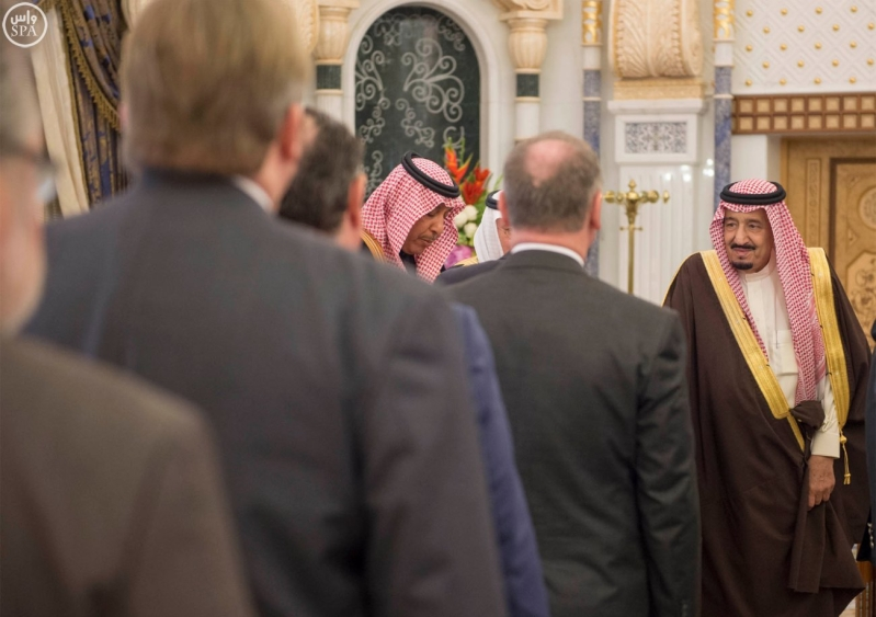 خادم الحرمين الشريفين يستقبل رئيس وفد الجمعية البرلمانية في منظمة حلف شمال الأطلسي6