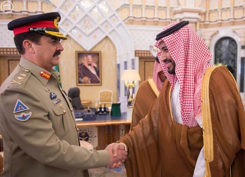 خادم الحرمين الشريفين يستقبل قائد الجيش الباكستاني3