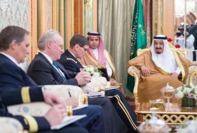 خادم الحرمين الشريفين يستقبل قائد القيادة المركزية الأمريكية (1) 
