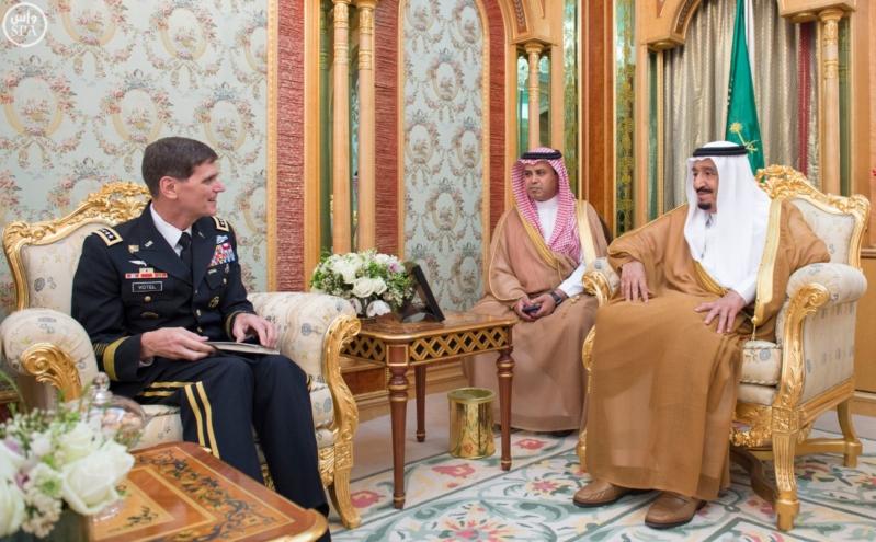 خادم الحرمين الشريفين يستقبل قائد القيادة المركزية الأمريكية (130070342) 
