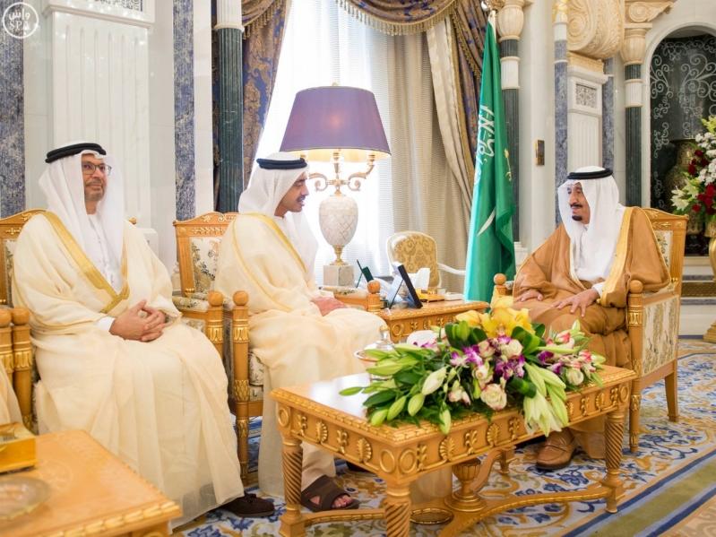 خادم الحرمين الشريفين يستقبل وزير الخارجية بدولة الإمارات العربية المتحدة