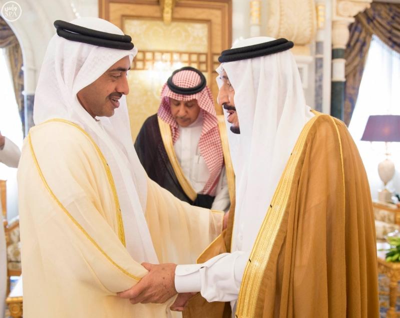 خادم الحرمين الشريفين يستقبل وزير الخارجية بدولة الإمارات العربية المتحدة1