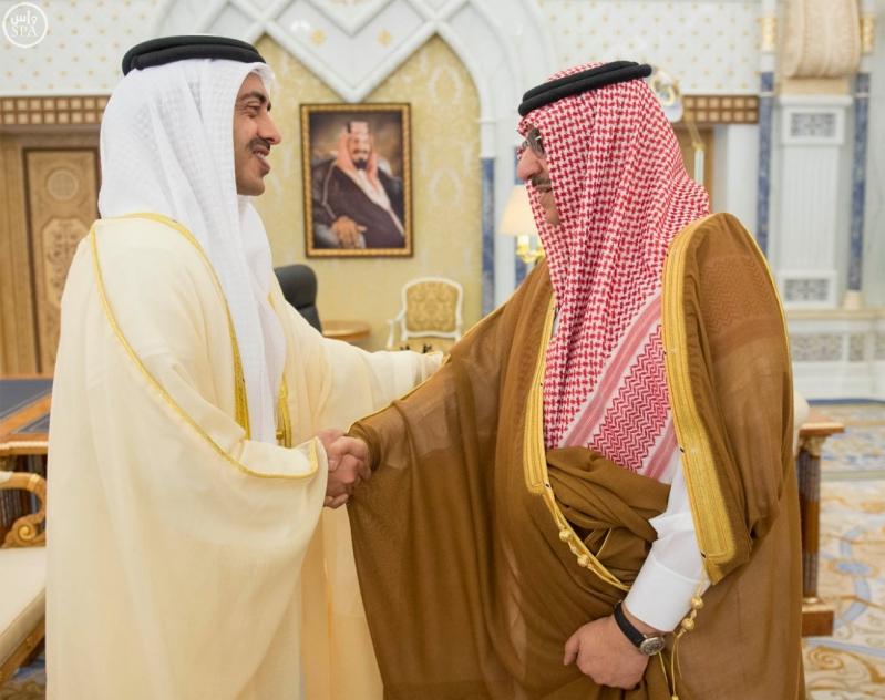 خادم الحرمين الشريفين يستقبل وزير الخارجية بدولة الإمارات العربية المتحدة3