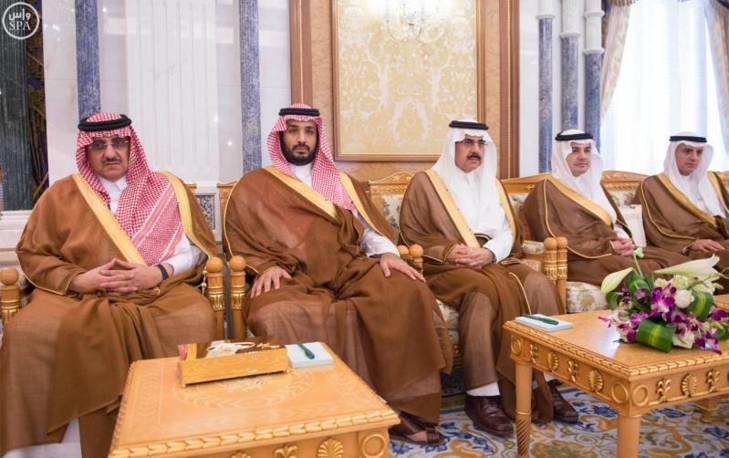 خادم الحرمين الشريفين يستقبل وزير الخارجية بدولة الإمارات العربية المتحدة5