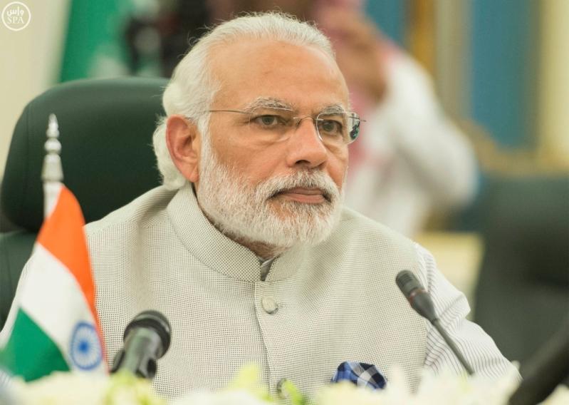 خادم الحرمين الشريفين يعقد اجتماعاً مع رئيس وزراء الهند.jpg1