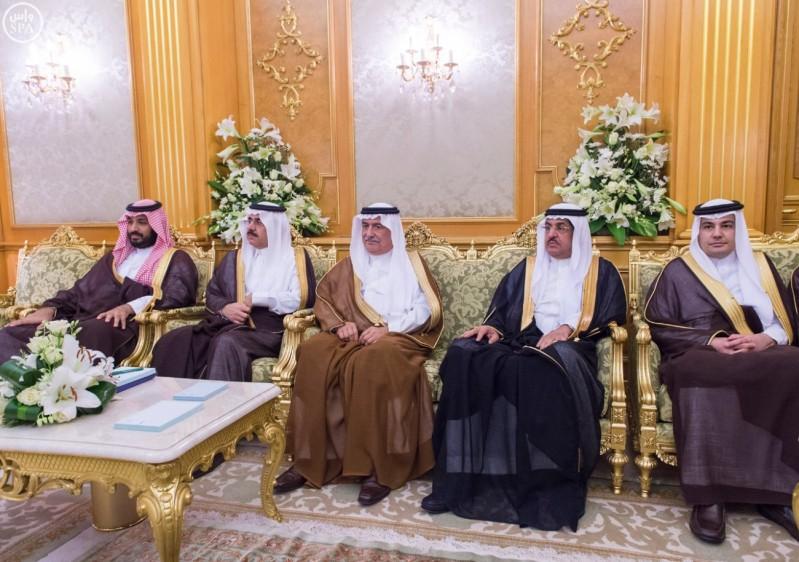 خادم الحرمين الشريفين يعقد جلسة مباحثات مع رئيس الجمهورية الموريتانية  2