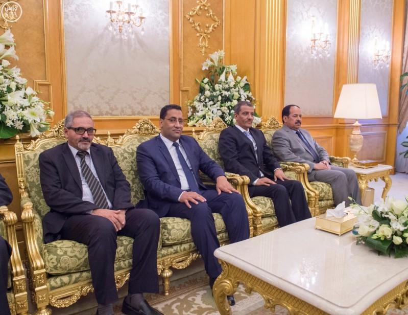 خادم الحرمين الشريفين يعقد جلسة مباحثات مع رئيس الجمهورية الموريتانية  3