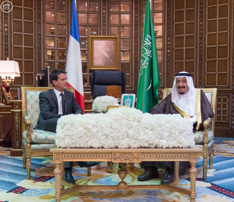 خادم الحرمين الشريفين يعقد جلسة مباحثات مع رئيس الوزراء الفرنسي (واس) 29-12-1436 هـ 3
