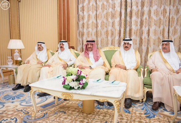 خادم الحرمين الشريفين يعقد جلسة مباحثات مع رئيس جمهورية تشاد.1