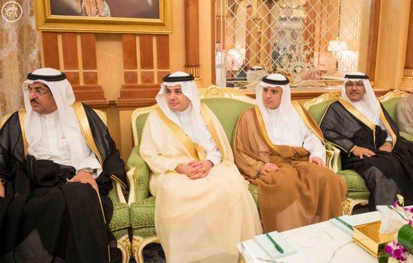 خادم الحرمين الشريفين يعقد جلسة مباحثات مع رئيس جمهورية تشاد.2
