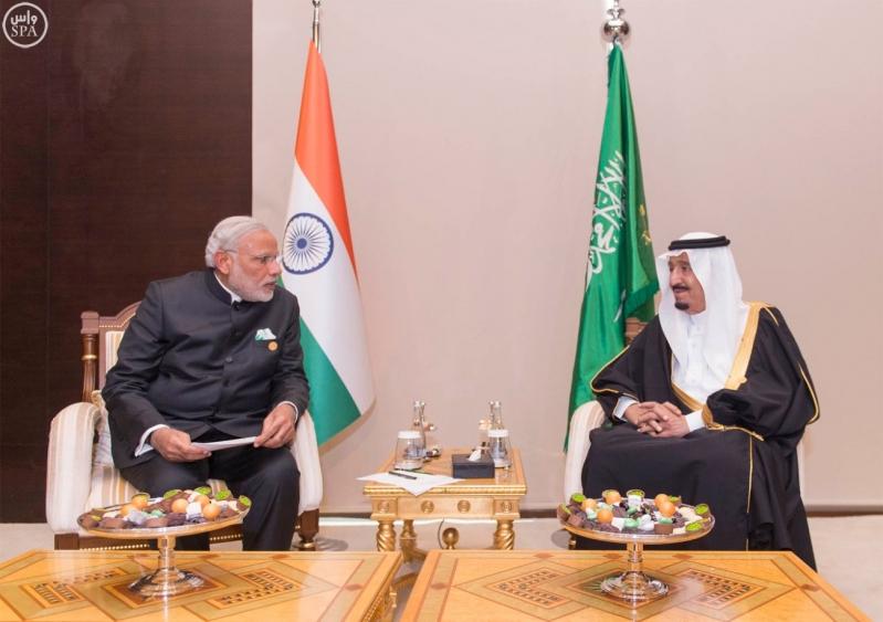 خادم الحرمين الشريفين يلتقي رئيس الوزراء الهندي على هامش قمة قادة دول مجموعة العشرين