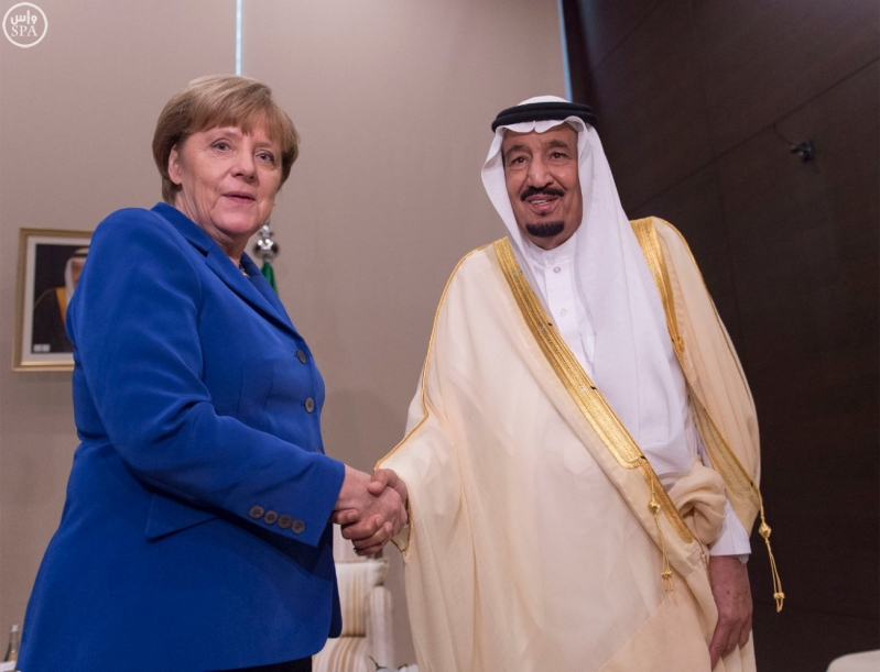 خادم الحرمين الشريفين يلتقي مستشارة ألمانيا الاتحادية في أنطاليا1