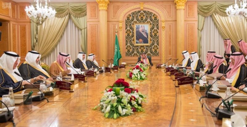 خادم الحرمين يرأس الاجتماع الخامس لمجلس أمناء مكتبة (1) 