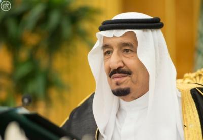 خادم الحرمين يرأس جلسة مجلس الوزراء3