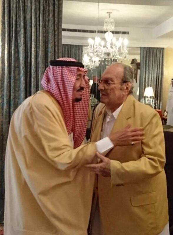 خادم الحرمين يزور أخاه طلال بن عبدالعزيز1