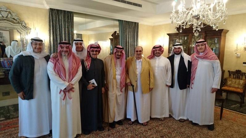 خادم الحرمين يزور أخاه طلال بن عبدالعزيز2