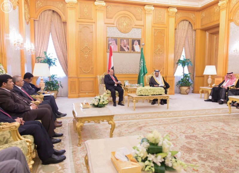 خادم الحرمين يستقبل الرئيس اليمني.jpg 2